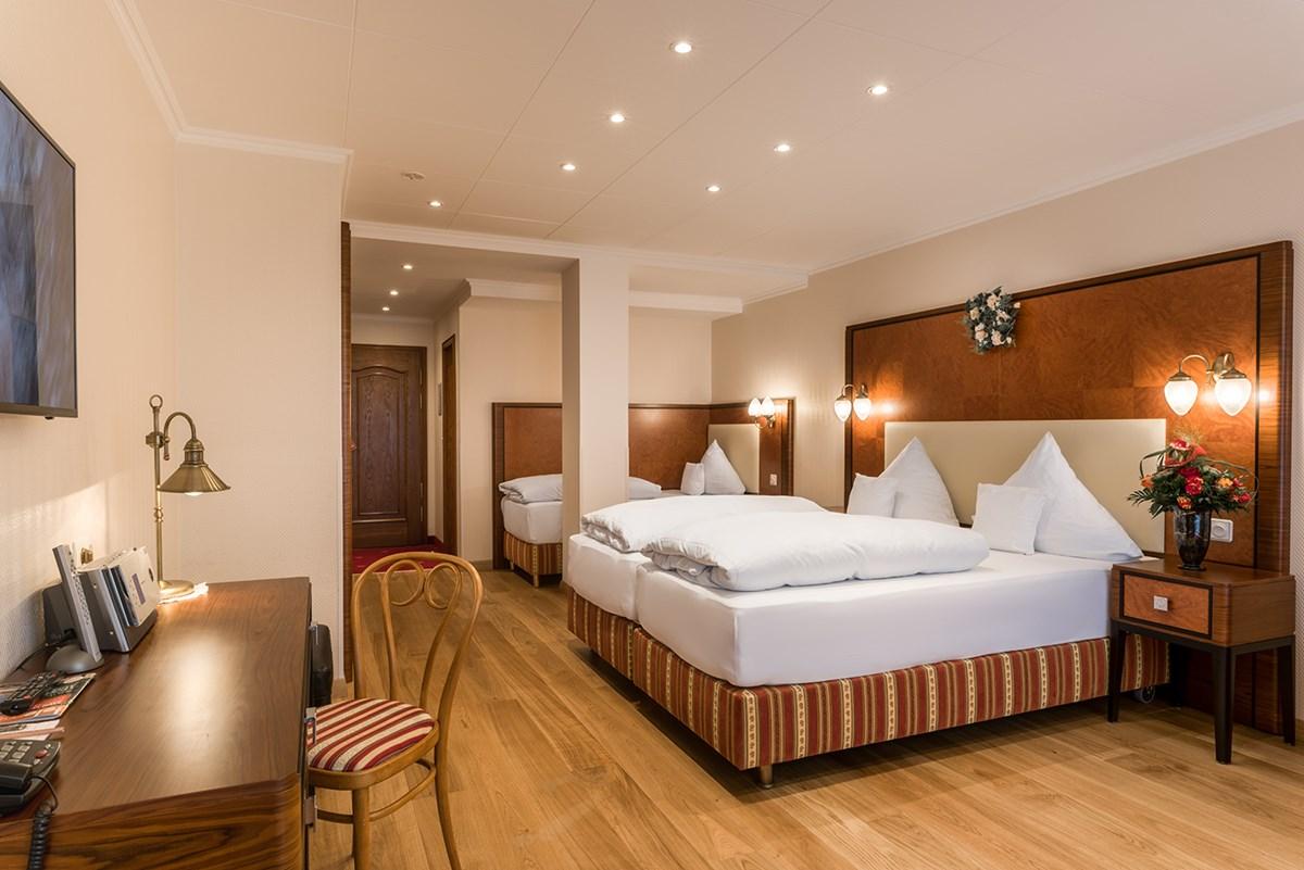 Triple Room City View Bellevue Rheinhotel